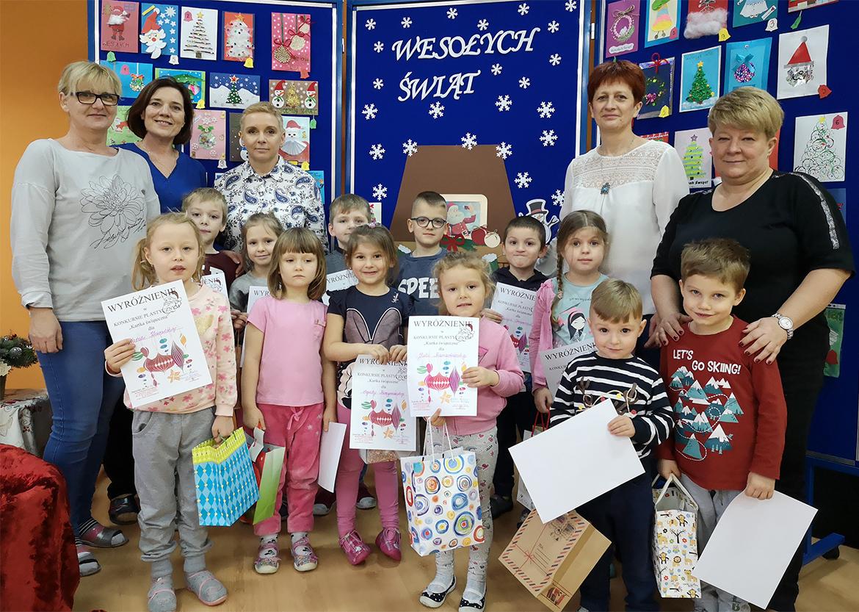 Na obrazku widać dzieci wyróżnione w konkursie